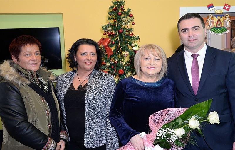 СЛАВИЦА ЂУКИЋ ДЕЈАНОВИЋ ОТВОРИЛА РЕНОВИРАНИ ОБЈЕКАТ У ВРЊЦИМА